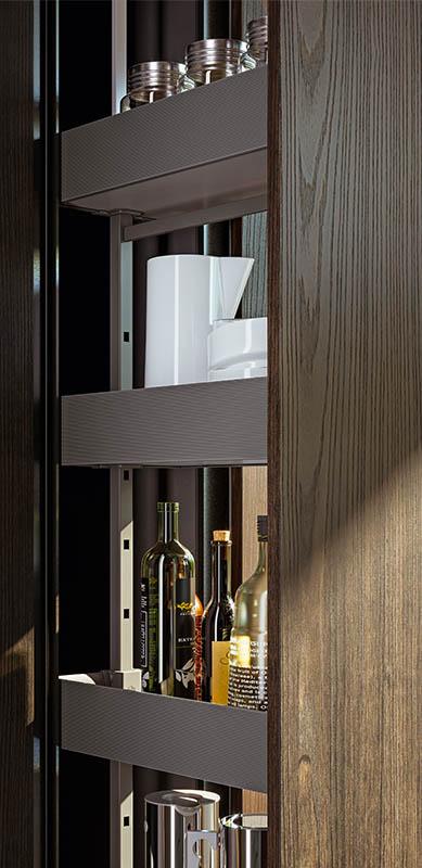 Gesloten moderne houten witte keuken in I-vorm met eiland door Sébastien PRIELS | Raison Home - 2
