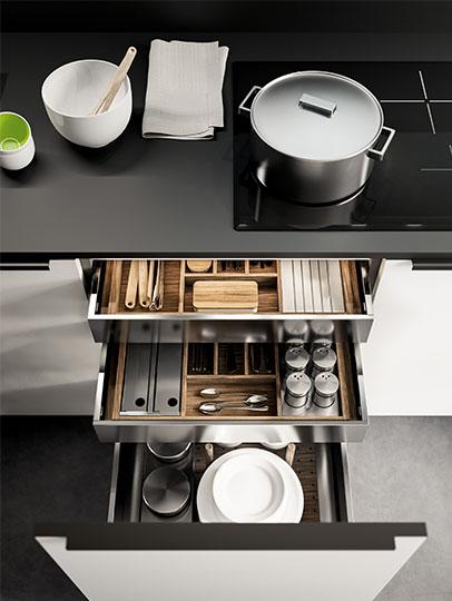 Base unit for wel-organised kitchen