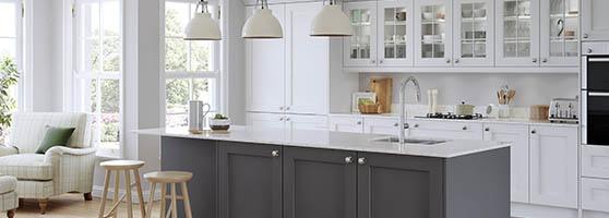 White_kitchen_grey_island
