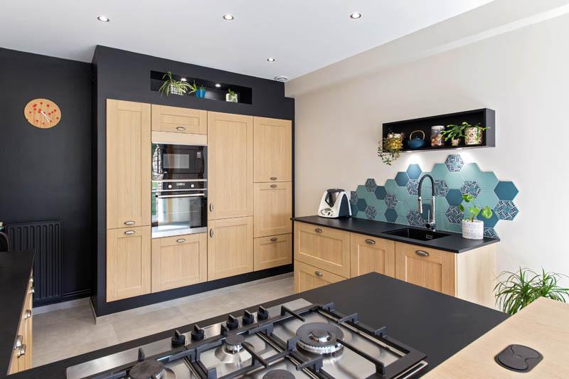 cuisine-style-cuisine-cuisine-rustique-facade-cadre-bois