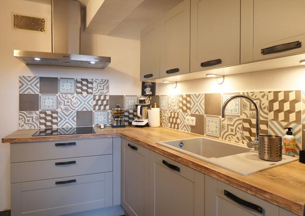 cuisine-style-cuisine-cuisine-rustique-facade-cadre
