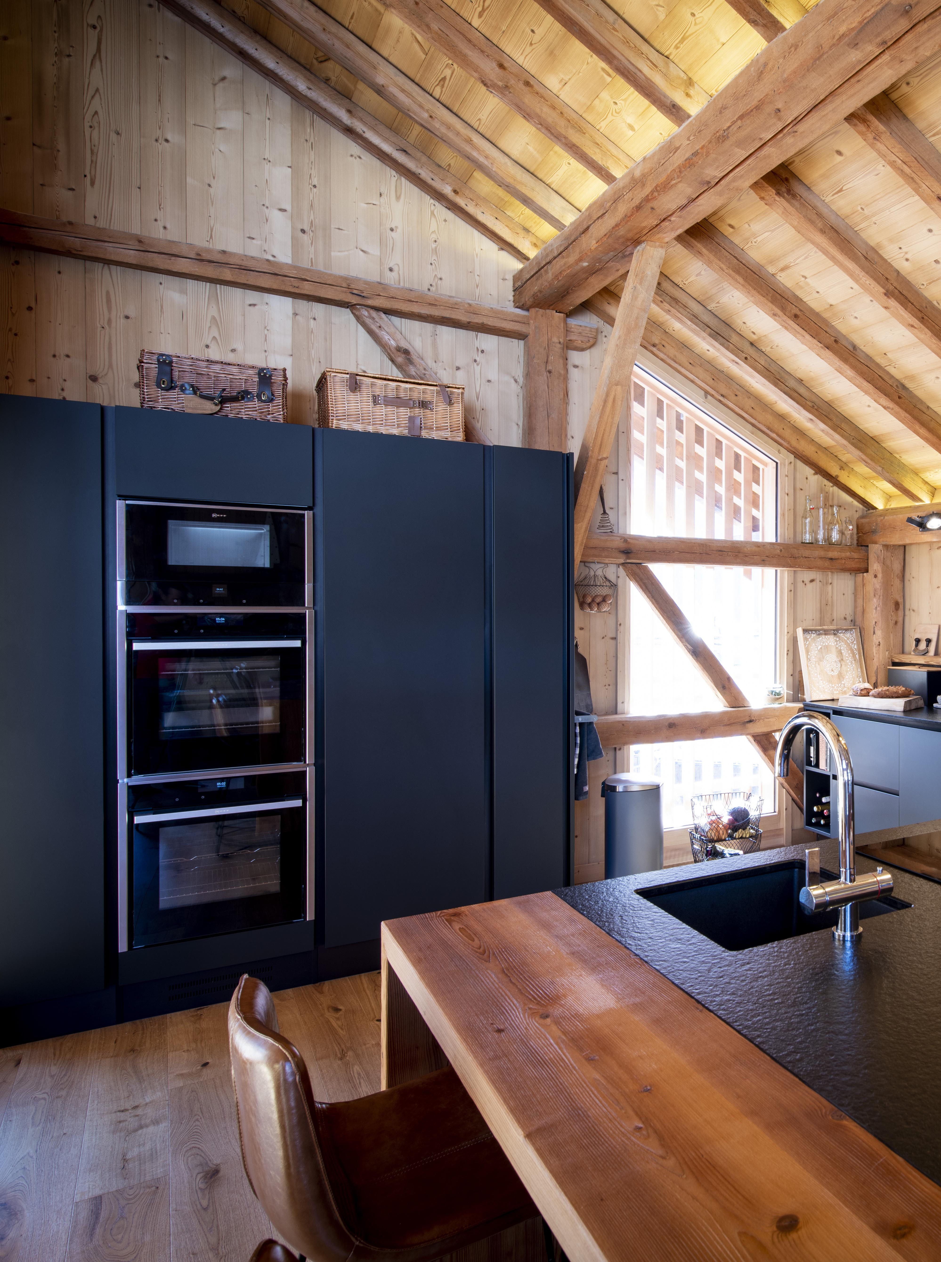 cuisine-style-rustique-design-noir