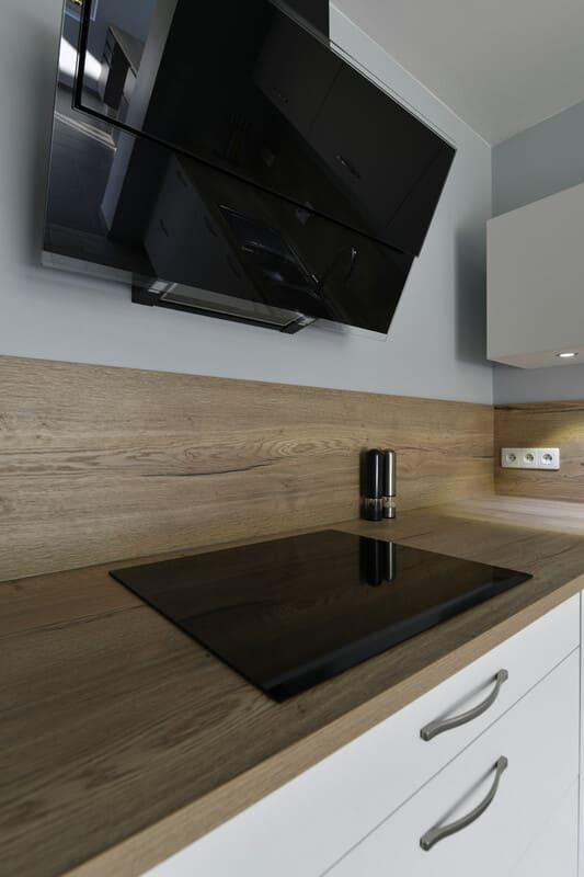 Cuisine blanche, bois et grise par Romain Langlet | Raison Home - 6
