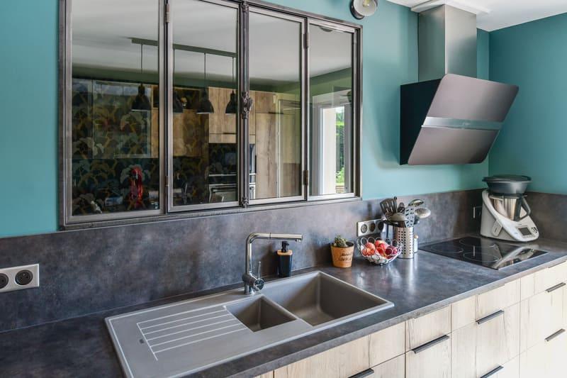 Cuisine contemporaine bois et turquoise par Pascal LAURENCE - 6