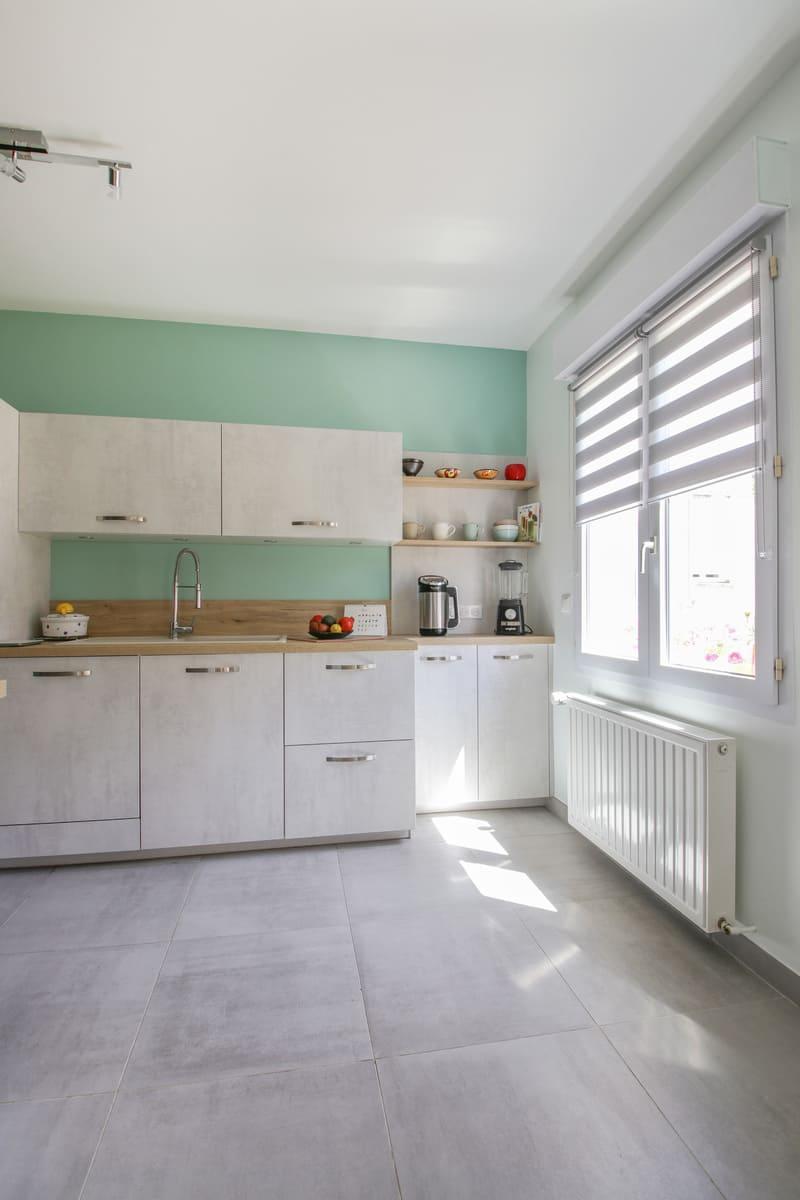 Cuisine blanche et turquoise par Eddy Blatrix - 10