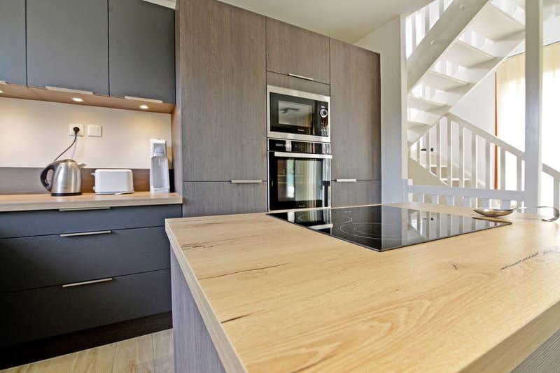 Cuisine bois foncé grisé par Pascal LAURENCE - 4