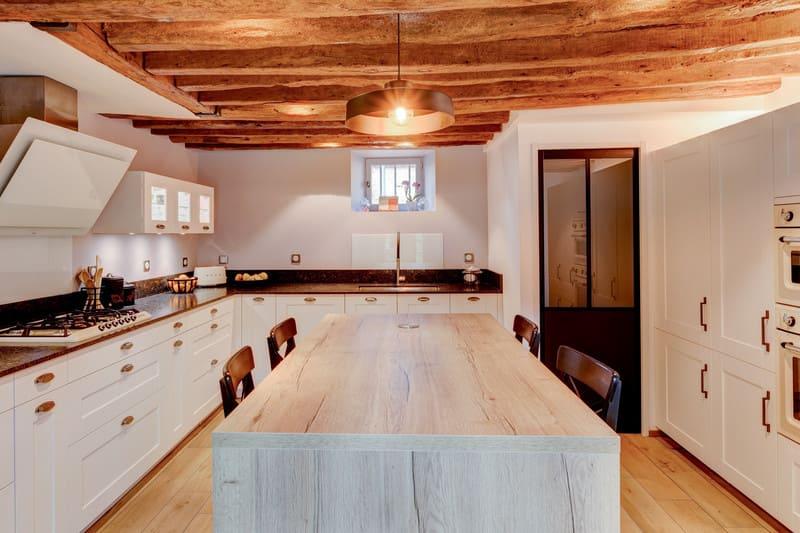 Cuisine cottage blanche au style anglais par Xavier Darré | Raison Home - 4