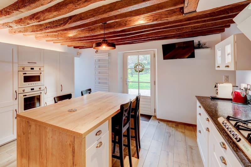 Cuisine cottage blanche au style anglais par Xavier Darré | Raison Home - 8