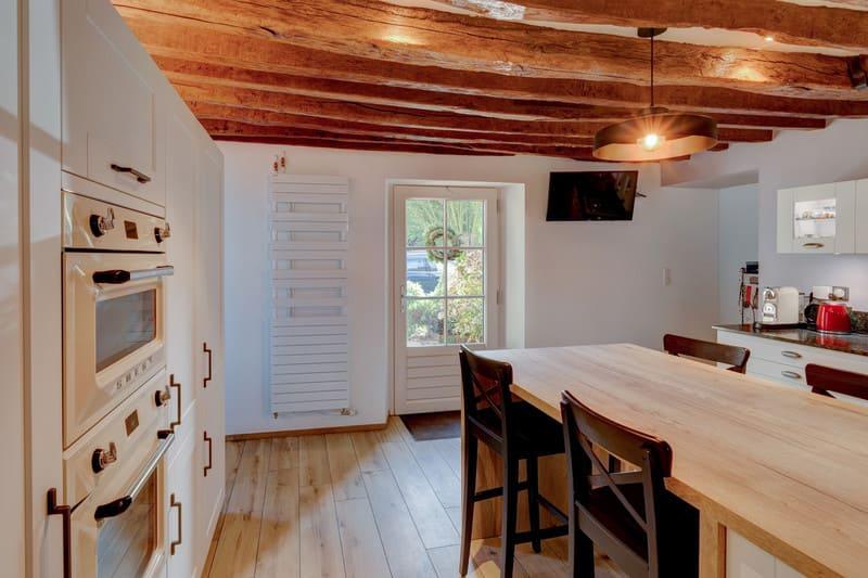 Cuisine cottage blanche au style anglais par Xavier Darré | Raison Home - 9