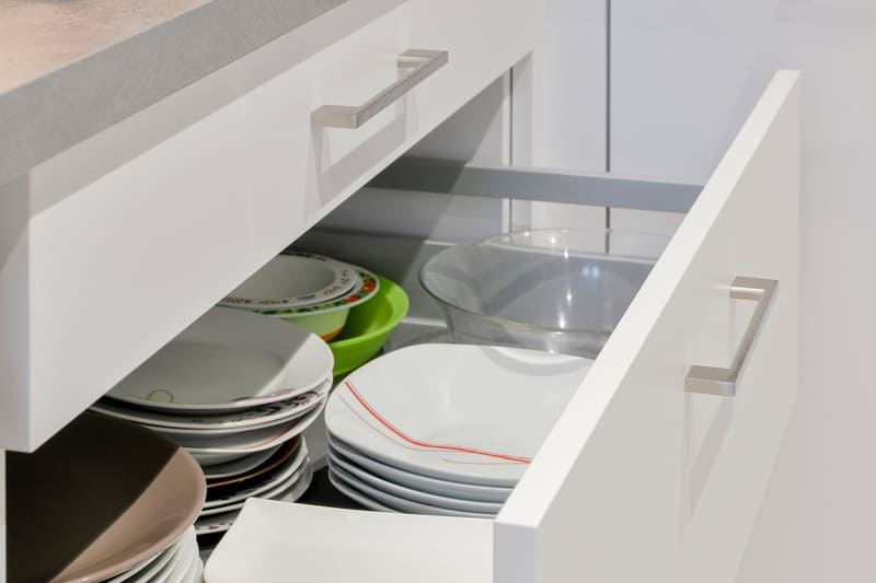 Cuisine en L blanche et grise par Romain CARBONNEL | Raison Home - 4