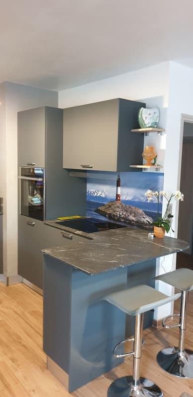 Cuisine grise en Fenix et marbre par Sandrine CHARAT | Raison Home - 6