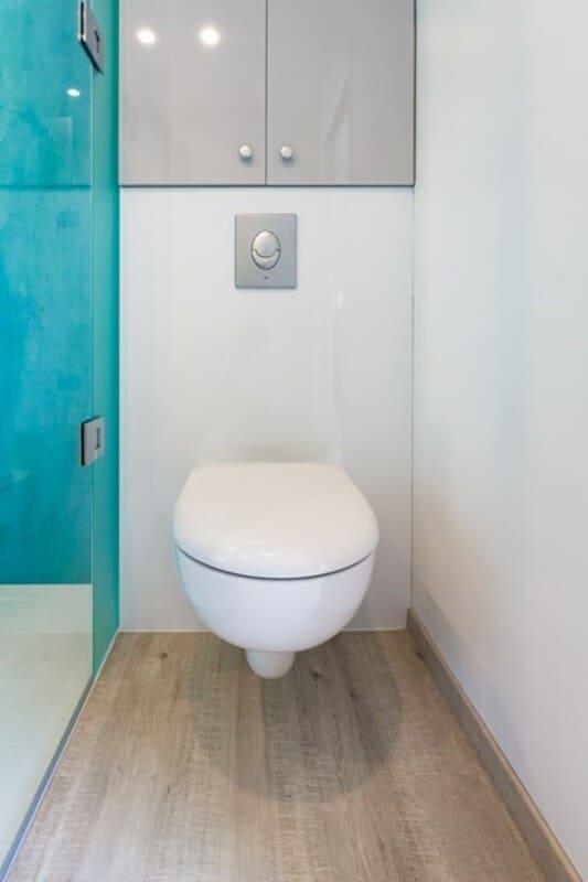 Salle de bain fermée de style contemporain/brillant/clair/par Vanessa GERAUX  3