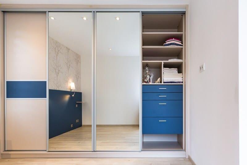Rangement de style contemporain foncé/mat/bois par Vanessa GERAUX | Raison Home - 1